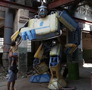 Украинец построил трансформера и назвал его Укробот