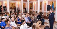 Проводы азербайджанских студентов на учебу в Россию в посольстве РФ в Баку