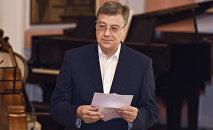 Чрезвычайный посол РФ в Азербайджане Владимир Дорохин на проводах азербайджанских студентов на учебу в Россию
