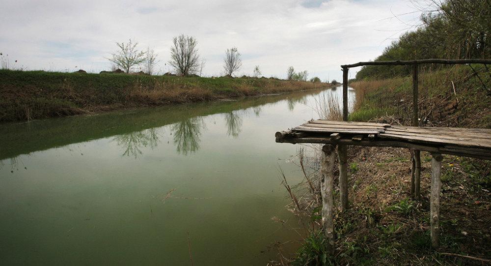 Su kanalı, arxiv şəkli