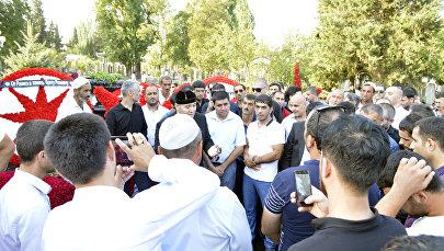 Şeyx Həmzət Rövşən Lənkəranskinin məzarını ziyarət etdi