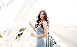 Новая фотосессия Оксаны Расуловой под названием Летняя девушка