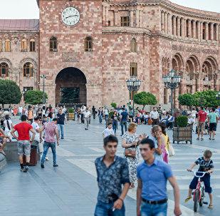 Площадь Республики в Ереване, фото из архива