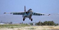 Самолеты-штурмовики Су-25 во время учений в Нахчыване