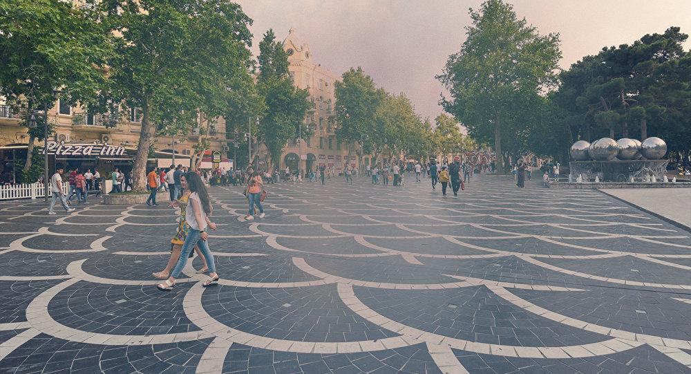 Столицу Азербайджана накрыл густой туман пыли изТуркменистана