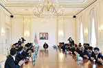 Ильхам Алиев принял членов футбольного клуба Карабах