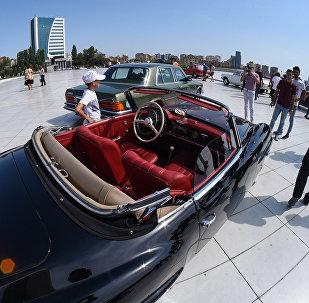 Автопробег и выставка классических автомобилей в Баку