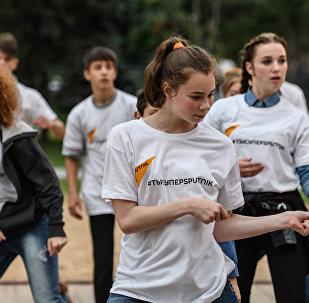 Sputnik подарил детям из шоу Ты супер! Танцы мастер-класс от Тодес