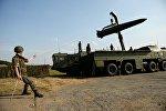 Развертывание оперативно-тактического ракетного комплекса Искандер-М во время показательных выступлений в рамках III Международного военно-технического форума Армия-2017 на Свердловском полигоне, 25 августа 2017 года