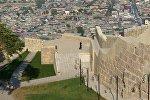 Вид на город Дербент с музея Цитадель Нарын-кала