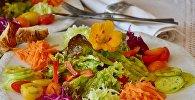 Салат из овощей, фото из архива