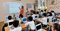 Учебный процесс в одной из бакинских школ, фото из архива