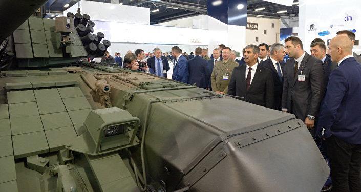 General-polkovnik Zakir Həsənov MSPO — 2017 beynəlxalq müdafiə sənayesi sərgisində