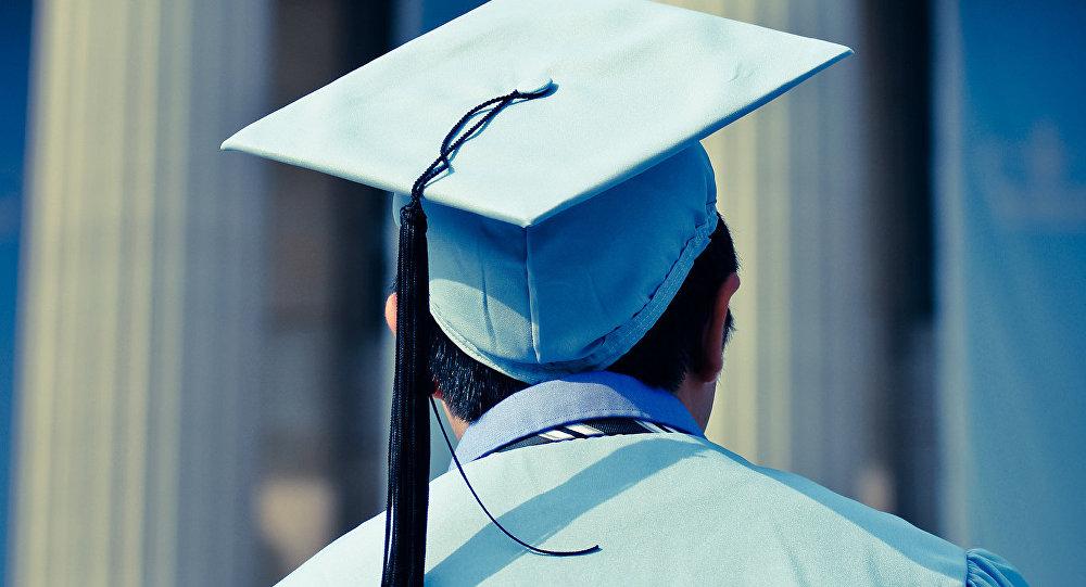Купившим иностранные дипломы придется в Азербайджане нелегко