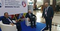 Tibb elmləri doktoru Kamran Musayev (solda) Dünya Ürək-Damar Cərrahiyyəsi Cəmiyyətinin 27-ci Beynəlxalq Konfransında