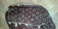 Большой сак из паласа, подаренный НАНА Розой Алекперовой