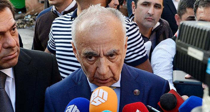 Bakı şəhər İcra Hakimiyyətinin başçısı Hacıbala Abutalıbov