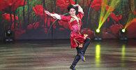 Танец Мязяли в исполнении Сафарова на сцене Ты супер! Танцы