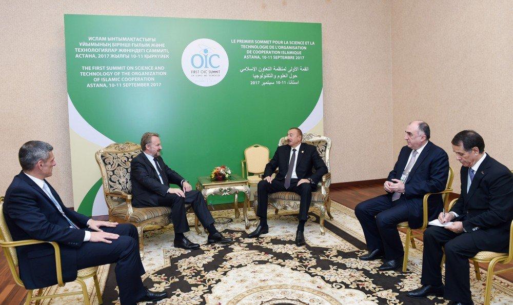 Президент Ильхам Алиев встретился в Астане с членом Президиума Боснии и Герцеговины Бакиром Изетбеговичем