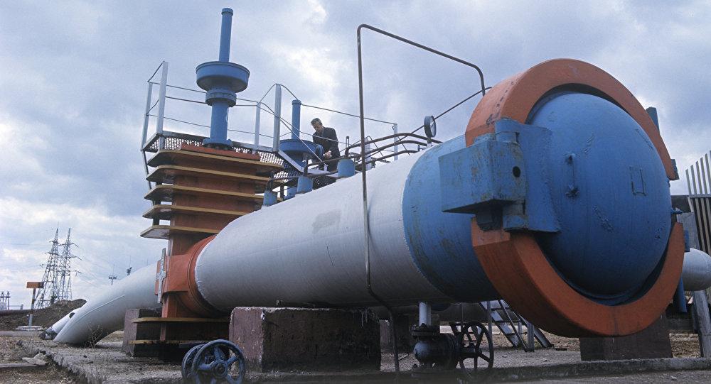 Нефтепровод, фото из архива