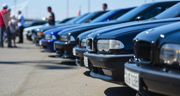 Автомобили, фото из архива