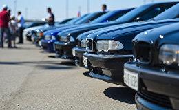 Автомобили, архивное фото