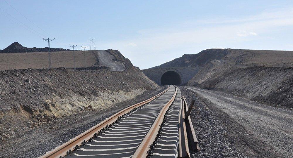 Железная дорога Баку-Тбилиси-Карс, фото из архива