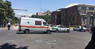 Автомобиль скорой помощи в районе здания парламента в Тегеране, фото из архива
