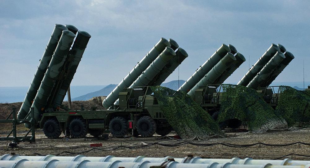 Зенитный ракетный комплекс С-400 Триумф полка противовоздушной обороны в Феодосии, фото из архива