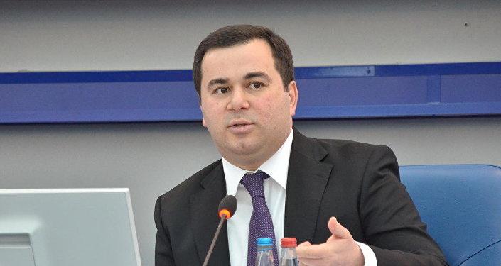 Исполнительный директор Фонда молодежи при Президенте АР Фархад Гаджиев