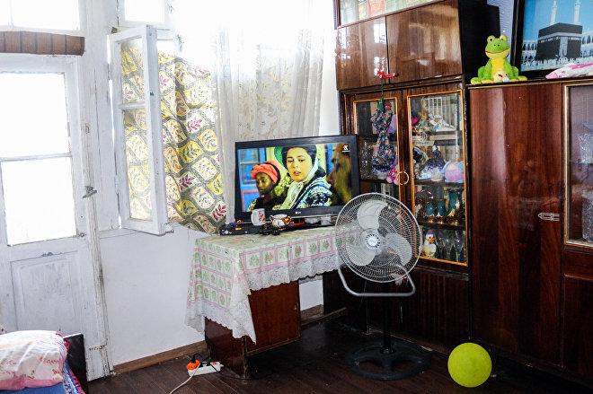 Одна из комнат в квартире Магеррамовых
