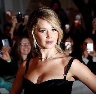 Американская актриса Дженнифер Лоуренс на кинофестивале представляла триллер Мама!, в котором сыграла главную женскую роль.