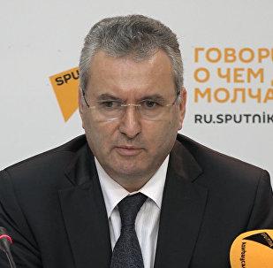 Гадиров: колличество педагогов увеличивается