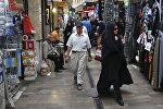 Иранцы на базаре в северном Тегеране, Иран, фото из архива