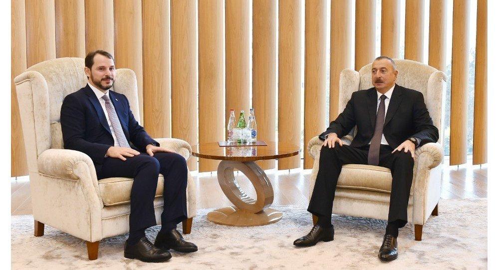 Президент Азербайджанской Республики Ильхам Алиев встретился с министром энергетики и природных ресурсов Турецкой Республики Бератом Албайраком