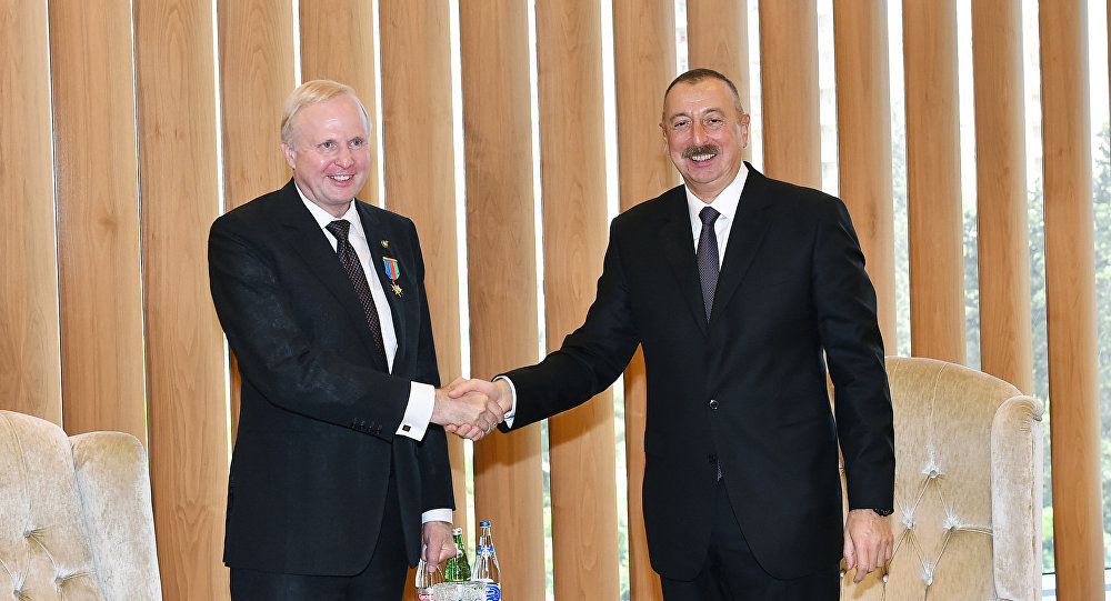 İlham Əliyev BP şirkətinin baş icraçı direktoru ilə görüşüb
