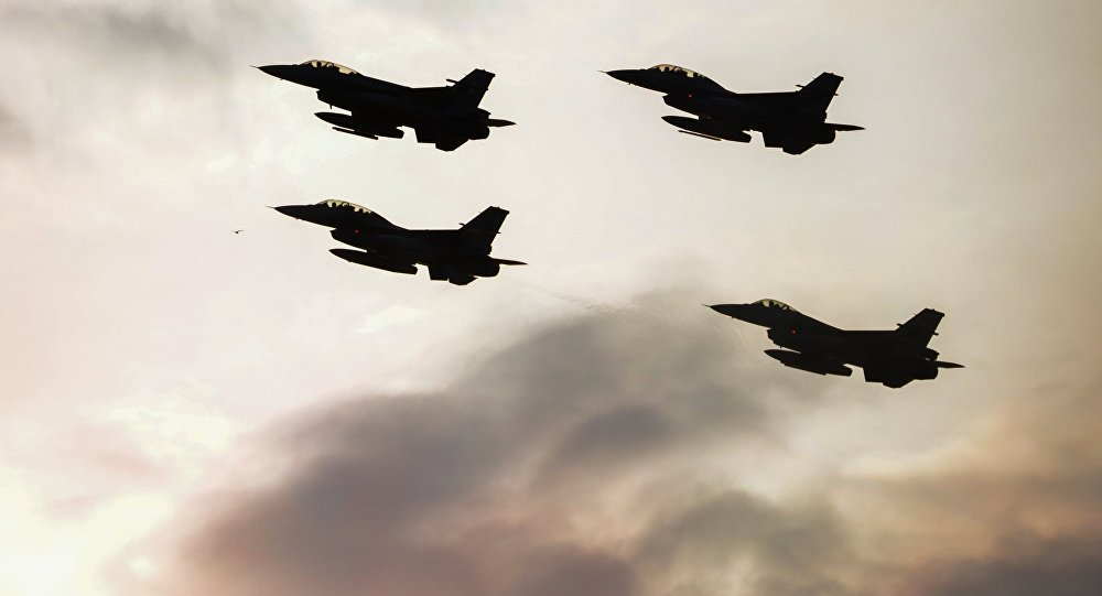Истребители F16 турецких военно-воздушных сил, фото из архива