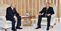 Ильхам Алиев с парламентским заместителем министра иностранных дел Японии Манабу Хори