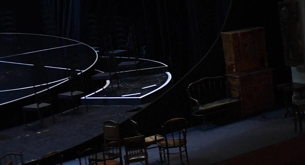 Teatr səhnəsi, arxiv şəkli
