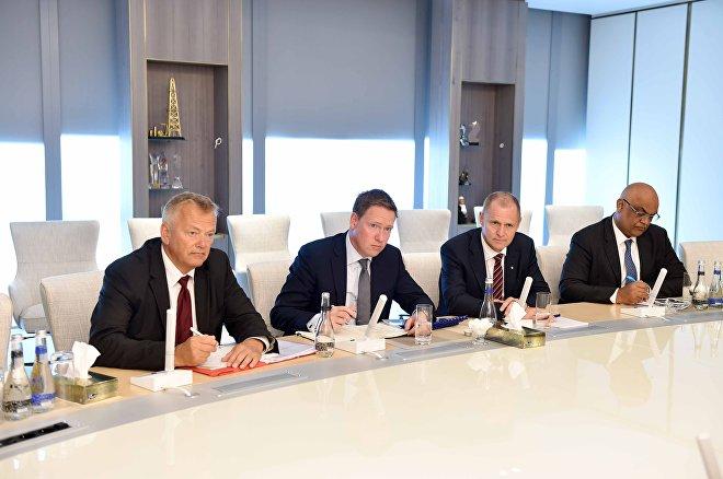 Встреча президента SOCAR Ровнага Абдуллаева с исполнительным вице-президентом по международному развитию и производству норвежской Statoil Ларсом Кристианом Бахером