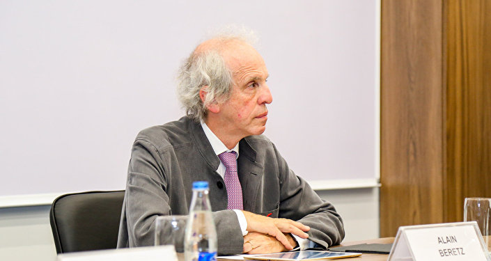 Гендиректор отдела исследований и инноваций министерства высшего образования и научных исследований Франции Ален Беретс