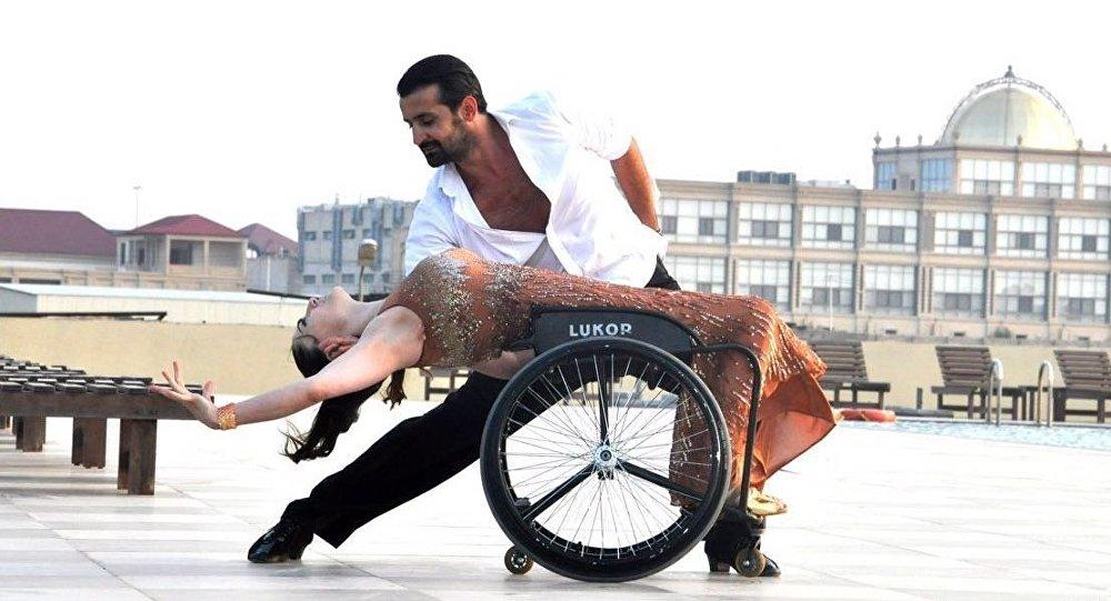 Азербайджанские танцоры Вюсаля Керимова и Фарид Мехтиев