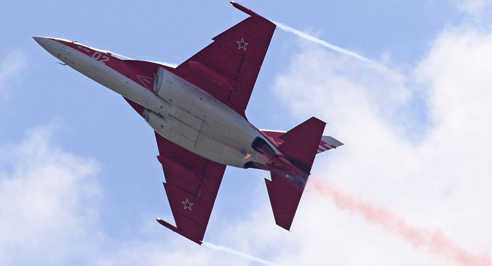 Российский учебно-боевой самолёт, лёгкий штурмовик Як-130, фото из архива