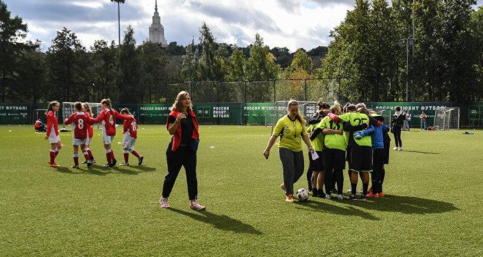 На московском стадионе Лужники состоялся первый фестиваль под названием Россия любит футбол