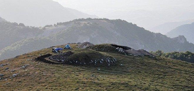 Археологические раскопки на территории села Амирвар Дашкесанского района