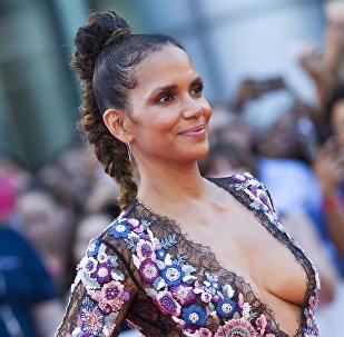 Aktrisa Holli Berri Torontodakı TIPP Beynəlxalq kino festivalında