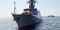 Военные корабли Каспийской флотилии прибыли в Баку