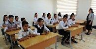 Учебный процесс в одной из сельских школ Азербайджана, архивное фото
