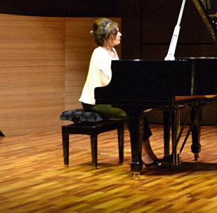 Концерт известной грузинской пианистки Элисо Болквадзе в Международном центре мугама в Баку