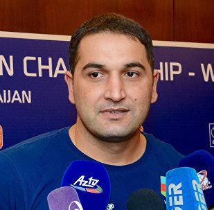Второй тренер национальной команды по волейболу Фамиль Агаев